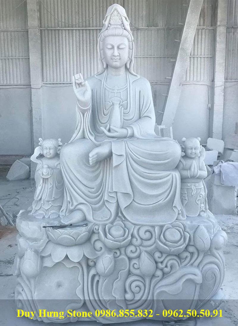 Phật quan âm bằng đá ngồi