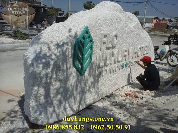 thiết kế biển hiệu công ty bằng đá nguyên khối đẹp 12