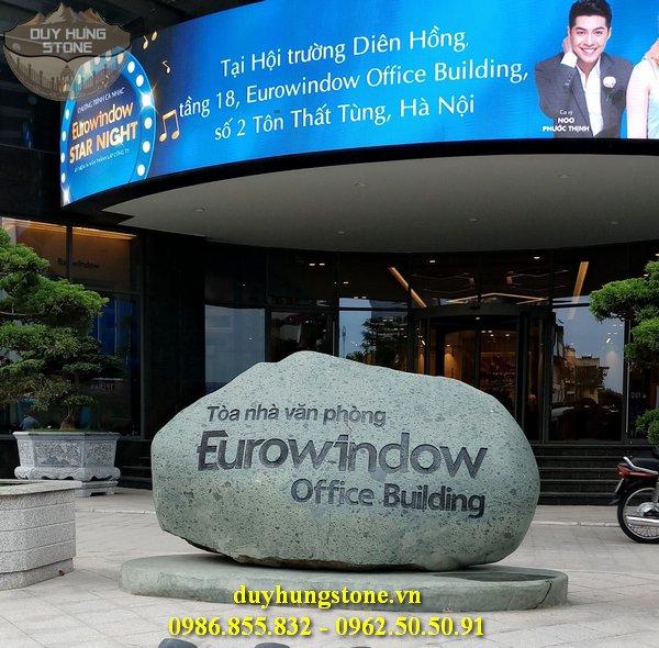 thiết kế biển hiệu công ty bằng đá nguyên khối đẹp 8