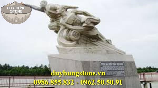 Tượng đài bằng đá khối đà nẵng 6
