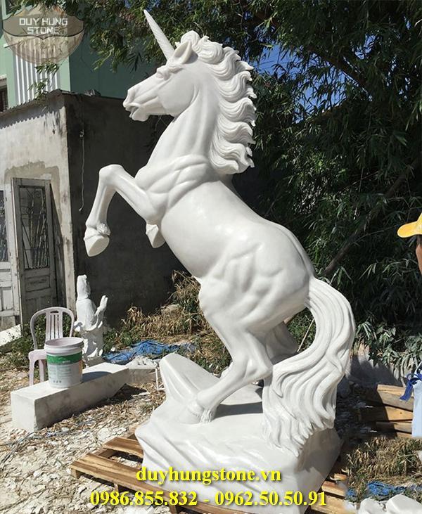 ngựa đá nhiều mẫu mã đẹp 22