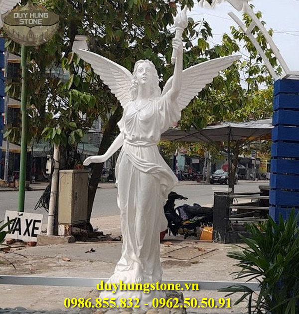 Tượng thiên thần bằng đá nguyên khối 9
